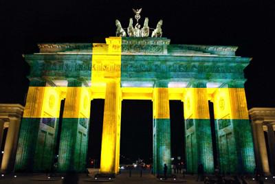 Brandenburger Tor in schwedischen Farben