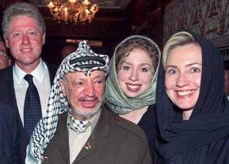 Clinton-Familie mit Arafat