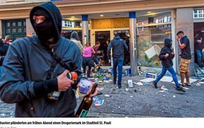 Hamburg - Drogeriemarkt wird geplündert
