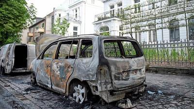 Hamburg - ausgebrannter Kleinwagen