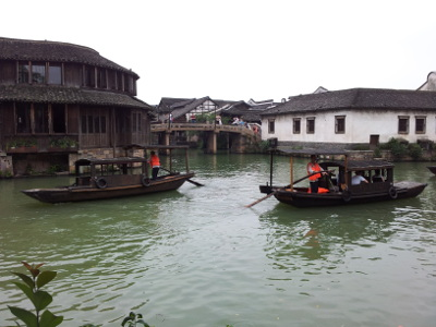Touristenboote in Wuzhen